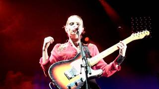 Anna Calvi - The devil - LIVE PARIS 2011