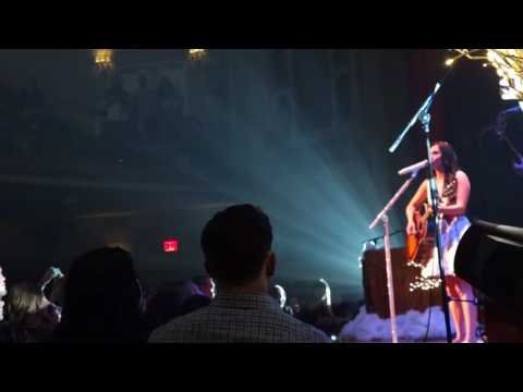 Kacey Musgraves - Follow Your Arrow - NYC - 12.8.16