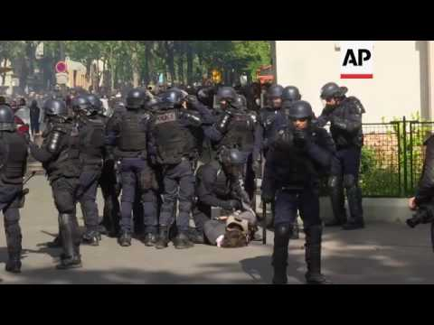 Police hit by petrol bomb during Paris clashes