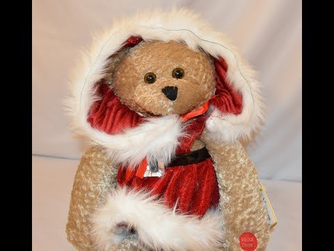 Chantilly Lane Singing Christmas Bear