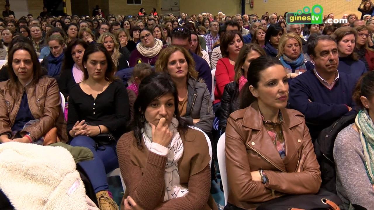 Más de 1.000 personas fueron partícipes de la ponencia ofrecida por Emilio Calatayud en Gines