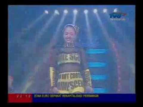 BintangPentas DewiPersik