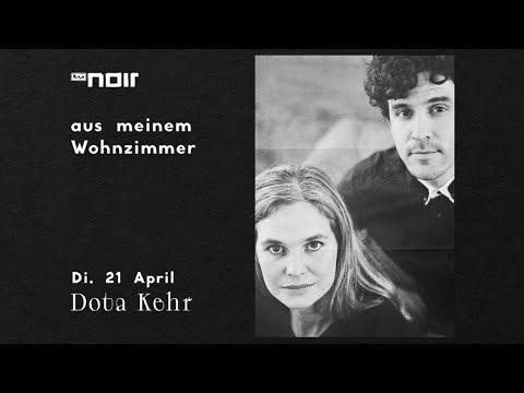 Dota Kehr bei 'aus meinem Wohnzimmer' (TV Noir)