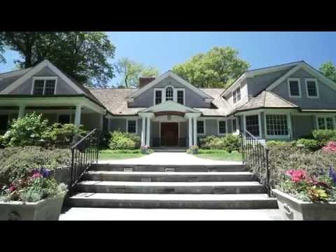 Lakeside Luxury On Grahampton in Greenwich, CT (with Contact Info)