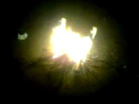 api unggun bernyanyi