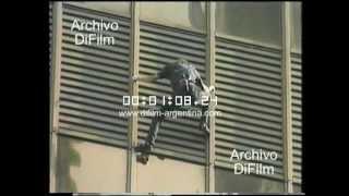 DiFilm - Alain Roberts escala edificio en Australia (1997)