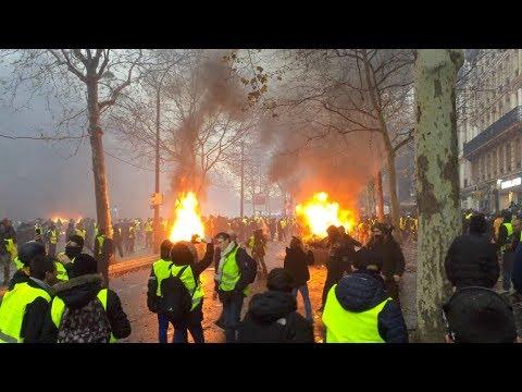 Gilets Jaunes Acte 3 : La colère s'exprime dans les rues de Paris.