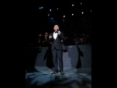 Matt Philips performs Luther Vandross