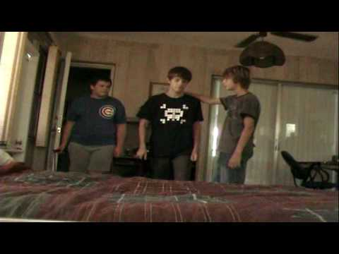 That 2000  episode 1 new roomies