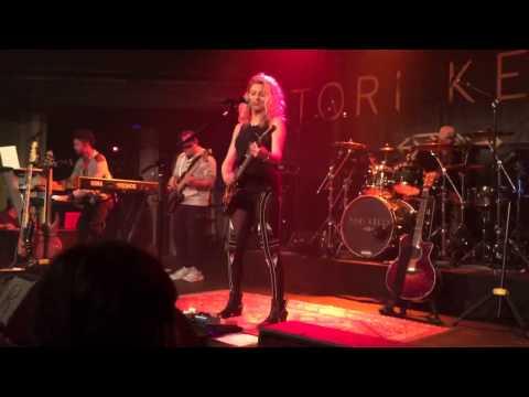 Tori Kelly - Talk (live)