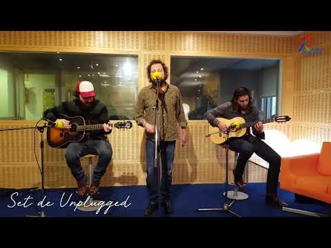 the-soul-jacket---in-a-golden-brown---acústico-en-radio-pontevedra