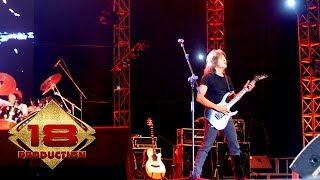 God Bless - Raksasa (Live Cirebon 16 Agustus 2006)