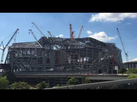 Fly through new atlanta stadium doovi for Mercedes benz stadium falcon statue