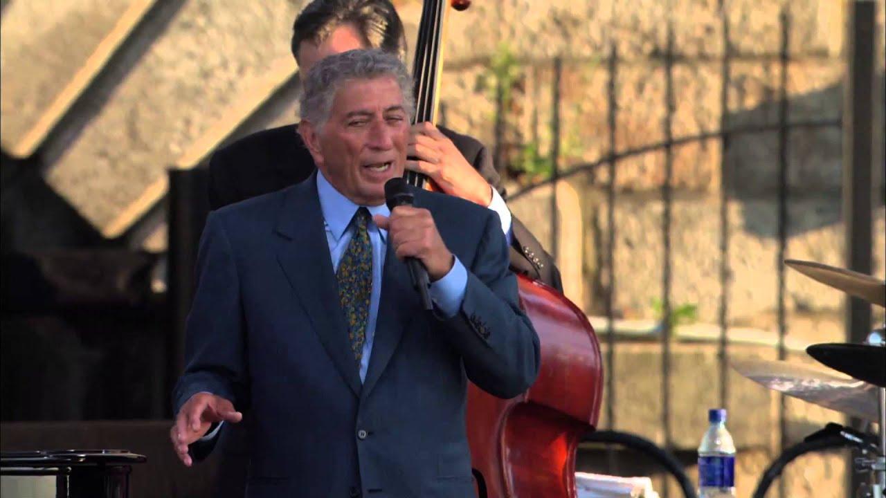 Tony Bennett - New York State Of Mind - 8/10/2002 - Newport Jazz Festival (Official)