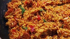 HOW TO COOK: PAELLA WITH CHICKEN AND CHORIZO