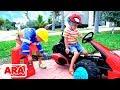 فلاد ونيكيتا يحبون اللعب! مجموعة من أشرطة الفيديو لجميع أفراد الأسرة!