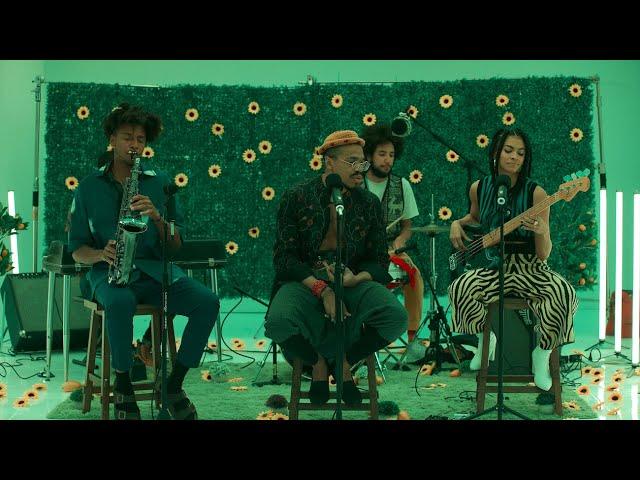 KAMAUU - MANGO (feat. Adeline & Masego) [Official Lyric Video]