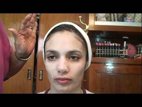 La escobilla para la depuración y el masaje en la cara