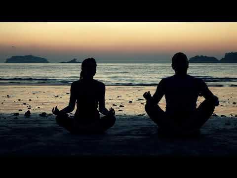 Люди на берегу моря: подборка из 10 красивых видео