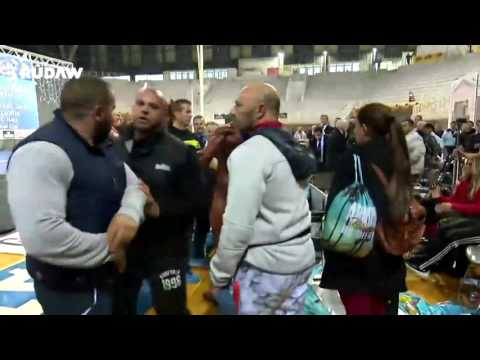 BODYBUILDER SLAPS IFBB JUDGE !!
