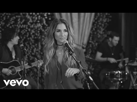 Jessie James Decker - Love On The Brain...