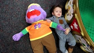Chuck E Cheese Here Comes Mr MUNCH | ELi Loves Mr Munch! Plush Doll | Eli's First Cotton Candy