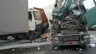 Подборка Аварий Грузовиков 3 - Crash Truck Accident Compilation 3 [18+]