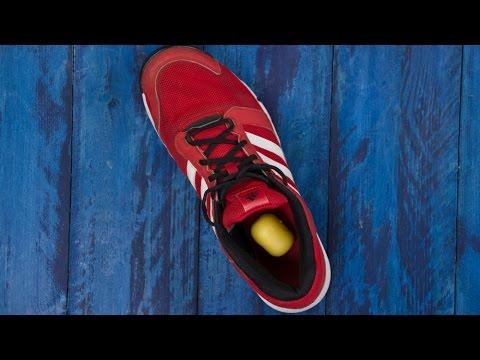 newest 2702e 21d3a Addio scarpe puzzolenti! Realizzare un deodorante fai-da-te con bicarbonato  e una bustina di tè.