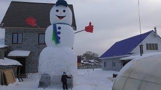 Как построить 8-метрового снеговика без строительной техники? Real video