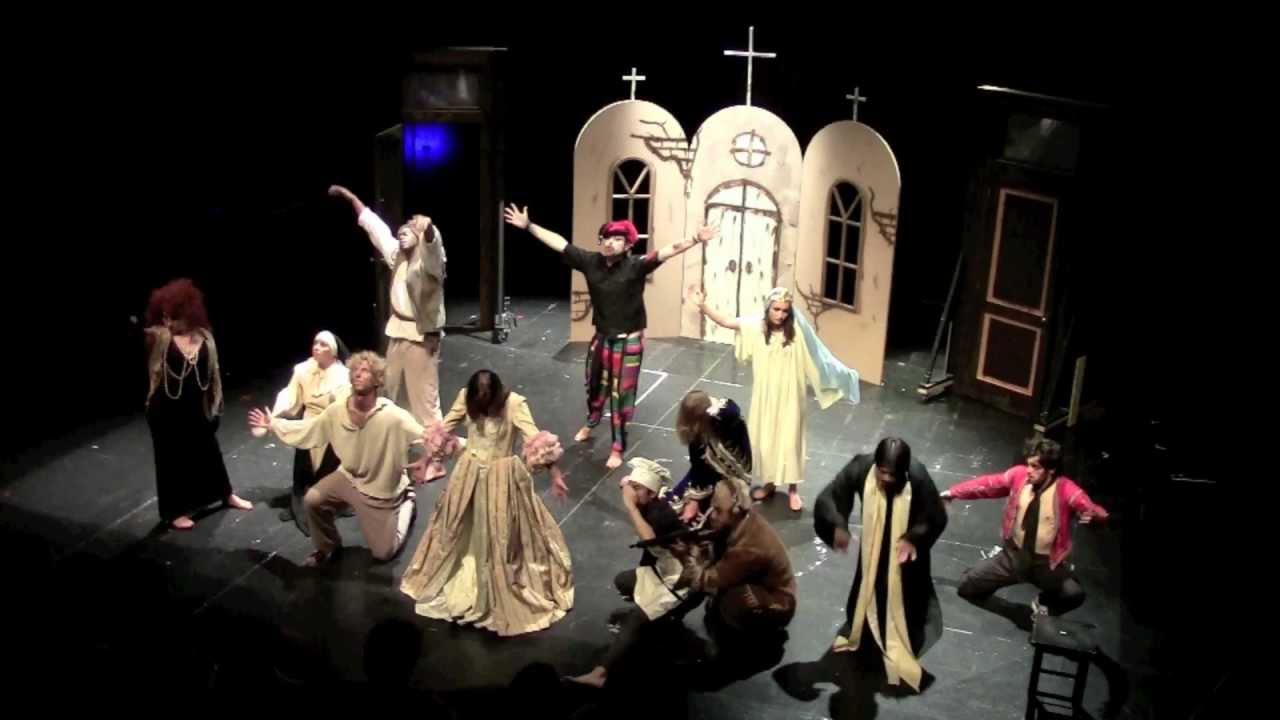 ESCOLA DE PORTUGUÊS 2012: Teatro -