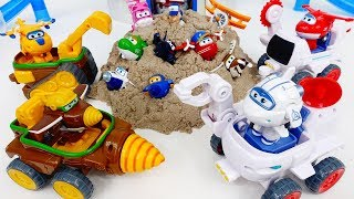 Earthquake~! Go Super Wings Todd&Donnie Dig Rig, Astra&Jet Moon Rover Car #ToyMartTV