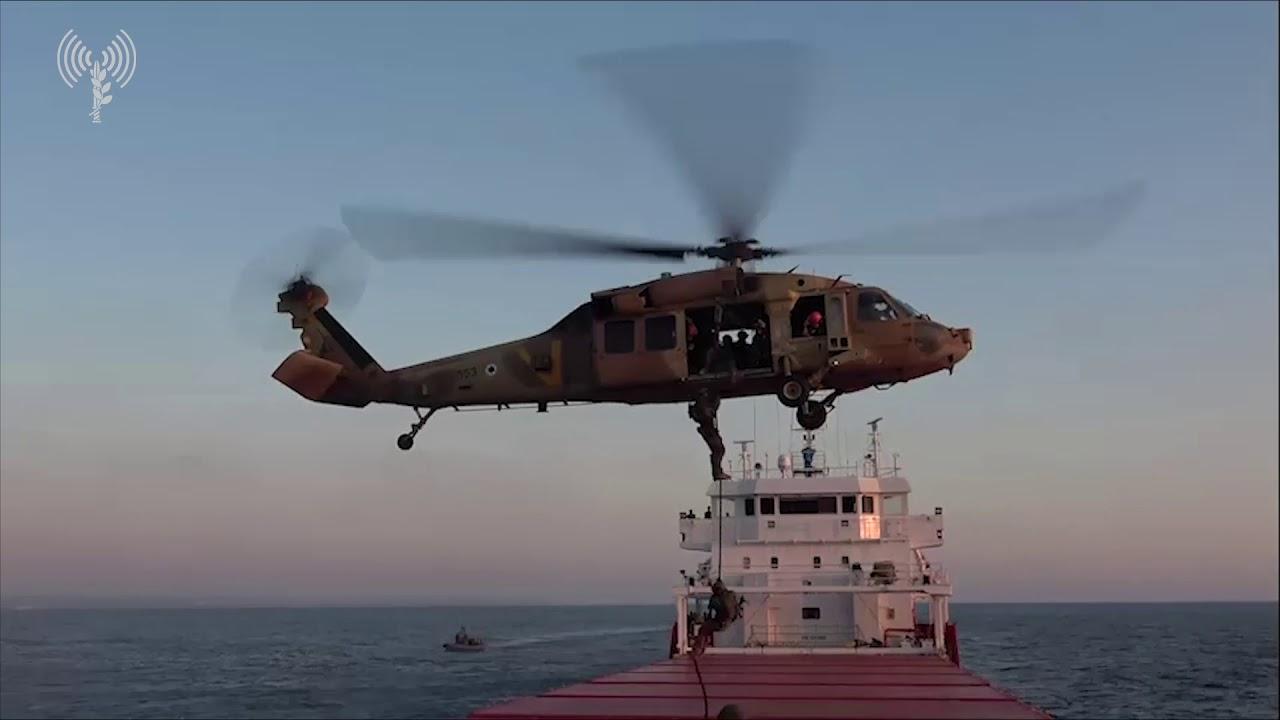 תרגיל שייטת 13 וכוחות מיוחדים של ארהב השתלטות על ספינה