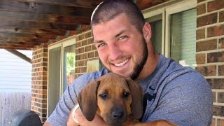 tim-tebow-is-sobbing-while-feeding-his-dog-for-the-last-time