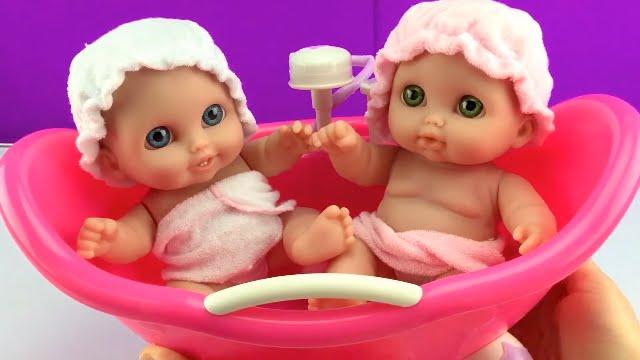 Twin Baby Dolls Bathtime Lil\' Cutesies\' Babies Bathtub w/ Shower ...