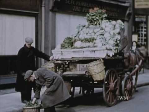 The London Blitz (Britain at War) 1941 (1946)