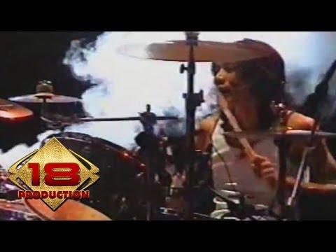 Slank - Lo Harus Grak  (Live Konser Sumenep 25 November 2005)