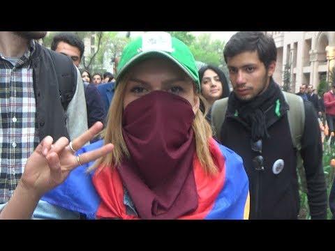 Противники Сержа Саргсяна перекрыли центральные улицы Еревана