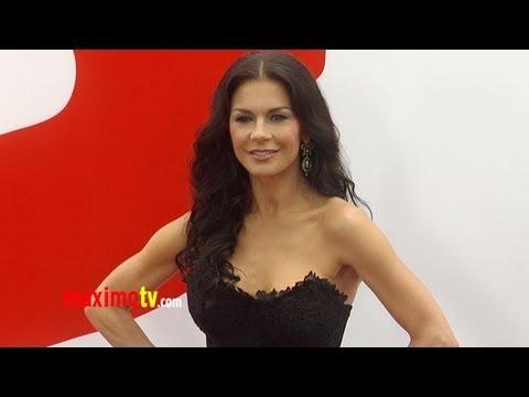 "Catherine Zeta-Jones ""RED 2"" Premiere Arrivals in Los Angeles"