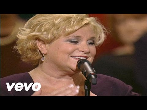 Bill & Gloria Gaither - Love in Any Language [Live] ft. Sandi Patty, Jessy Dixon