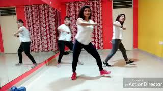 #dance #easydancesteps Easy Dance fitness - Kya Baat Ay - Dance for Beginners - Choreo by Neha Pant