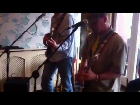 Live Music Torquay at the Cinnabar