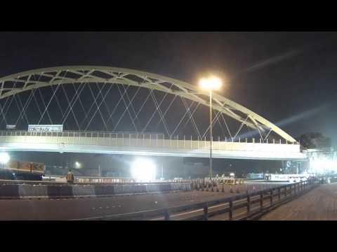 Timelapse  Bridge Bahrain Moved and Installed  31 01 14