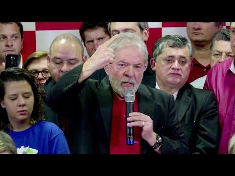 Lula lidera pesquisa presidencial, seguido de Bolsonaro