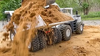 RC dump truck ACTION! Overload and stuck at the construction site!