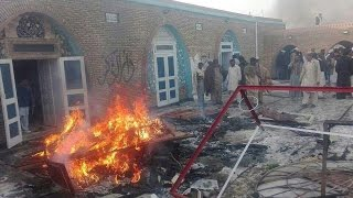 Dawn - Zara Hut kay Chakwal Punjab Pakistan Mob on Ahmadiyya Mosque
