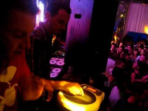 DJ GETDOWN lache ses platines le temps d'un set percu avec moi poster