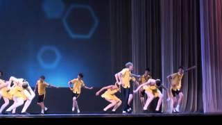 happy childhood  Танец Твист.mpg