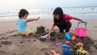 Bermain Pasir dan Bermain Ombak di Pantai Pangandaran - Liburan di Pangandaran