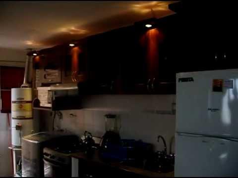 Amoblamiento cocina terminacion paraiso y luces dicroicas - Luces para cocina ...