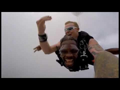 ziggler wiggler (cash money records) going sky diving in panama city